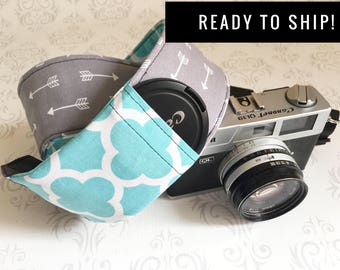 READY TO SHIP - Camera Strap, Padded, Lens Cap Pocket, Nikon, Canon, dslr Photography, Photographer Gift - Gray Arrow & Aqua Quatrefoil