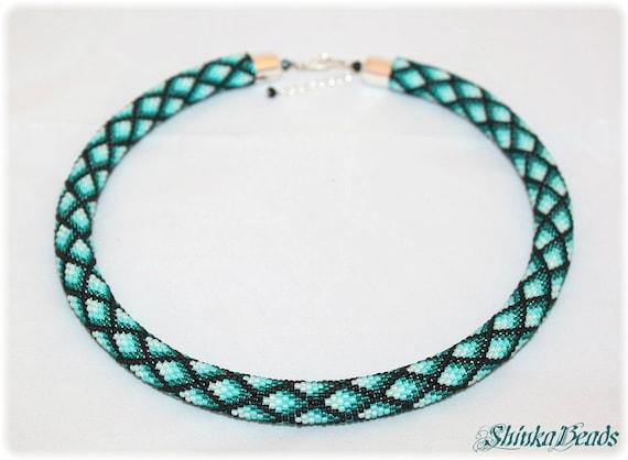 Grun geometrische Halskette Rauten Muster Perle häkeln
