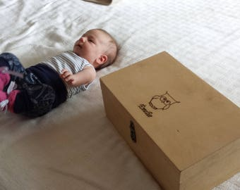 Box, chest baby custom personalized to keep memories of birth (maps, photos,...).  Delivery included.