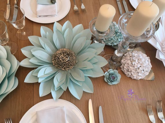 Set of elegant paper flower table decorations