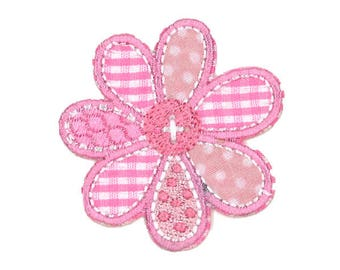 Applique badge patch fusible pink gingham flower