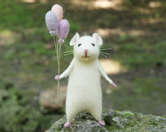 Needle felted mouse Cute mouse White mouse Woolen mouse Needle felt animal Needle felt miniature Birthday gift Home decor