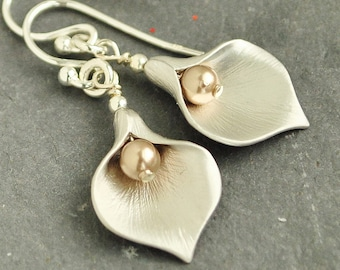 Gold Pearl Earrings - Flower Earrings - Swarovski Earrings - Pearl Drop Earrings Silver - Pearl Jewelry - Calla Lily Earrings -