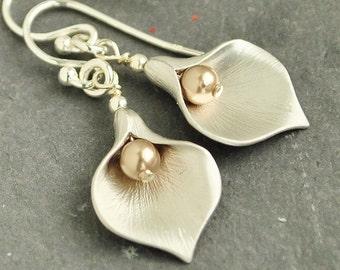 Gold Pearl Earrings - Flower Earrings - Swarovski Earrings - Pearl Drop Earrings Silver - Pearl Jewelry - Calla Lily Earrings -