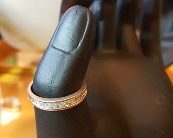 10Kt Gold Diamond Wedding Anniversary Ring White Gold Size 7