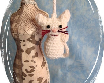 Cat crochet crochet Keychain, Keychain, Keyring, white, handmade, OOAK, handmade, unique
