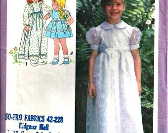 Flower Girl Dress Pattern Simplicity 8843 Size 3 Christmas Dress 1970s vintage