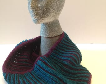 Reversible Brioche Knit Cowl in Burgundy and Teal