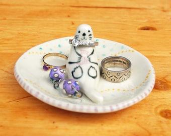 Otter ring dish ceramic ring holder jewelry holder animal lover ring plate porcelain small gift valentine anniversary engagement birthday