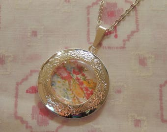Round Silver Plated Pink Floral Locket Pendant Necklace