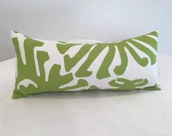 "10"" x 22"" China Seas Sigourney in Jungle Green"