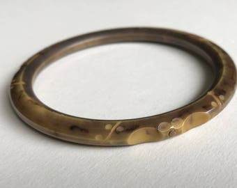 Art Deco Bakelite Bangle Shade of Brown Stylized Carving 1930s Art Deco French Jewelry