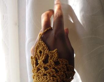 Gantelline - Victorian Wrislets crochet pattern