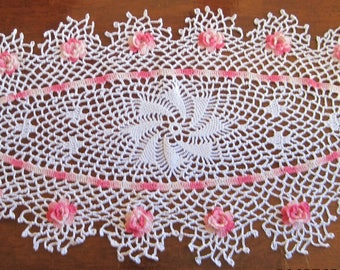 Shaded Pink Roses Valentines Day Oval crochet doily runner 28 by 14 inches