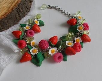 Berries bracelet, flower bracelet, bridal accessory, cold porcelain, bridesmaid accessory, bridesmaid bracelet, flowers accessory, flowers