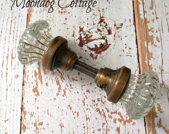 GoRGeouS ANTiQuE DooRKNoB SeT - CiRCa 1940's