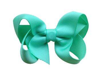 3 inch Mint green hair bow - hair bows, girls hair bows, baby bows, girls bows, toddler hair bows, 3 inch hair bow, boutique bows, green bow