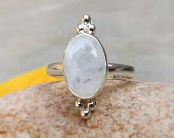 Natural Rainbow Moonstone Ring Gemstone Stacking Ring, Moonstone Ring, Bithstone Ring, 925 Solid Silver Moonstone Jewellery Gift ideas