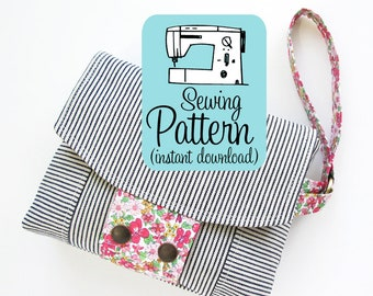 Aster Wristlet PDF Sewing Pattern | Sewing tutorial to make a wristlet clutch purse handbag with two zipper pockets.