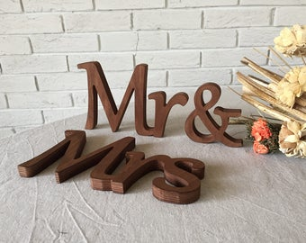 Rustic wood signs Mr & Mrs. Rustic signs wedding table decoration. Rustic. Wedding. Signs. Mr. Mrs. Wooden letters. Wood signs wedding.