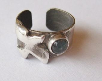 Labradorite Bird EarGem ear cuff, sterling earring, cuff earring, bird earcuff, labradorite gemstone ear cuff