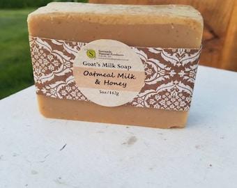 Oatmeal Milk & Honey Goats Milk Soap / Cold Process Soap/Goats Milk Soap/Honey Soap/Oatmeal Soap