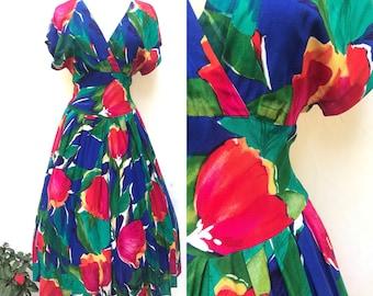 Vintage 80s Dress, Splashy Flowers, Nipped Waist, Pin Up, Rockabilly, Full Skirt, 50s Look