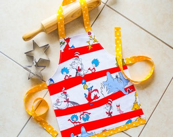 Kids Apron Dr Seuss, child & toddlers kitchen baking craft art play apron, girl boy lined cotton apron, Dr Seuss Cat in the Hat print apron