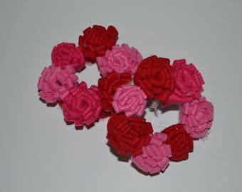 SUMMER SAVINGS SALE Pink and red felt flower doll wreath