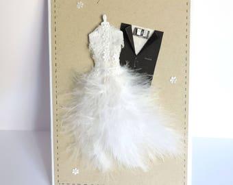 Karte Herzlichen Glückwunsch romantische Hochzeitskleid der Braut, Federn und Spitze. Handgefertigte