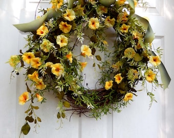 Spring Wreath , Outdoor Wreath , Summer Wreath For The Door , Petunia , Floral Wreath ,  Outdoor Wreath , Yellow Wreath