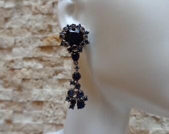 Blue Sapphire drop earring in oxidized Sterling Silver