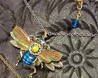Bee Necklace, Bee Jewelry, Honey Bee Necklace, Bumble Bee, Bee Jewelry, Bee Keeper Gift, Buzzy Bee