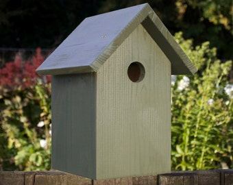 Bird Box, BIrd House, Nest box, Wildlife House, Garden Gift, Garden Decoration, Dark Green. Can be personalised.