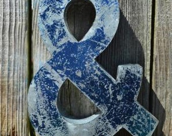 Medium vintage style 3D blue ampersand & symbol