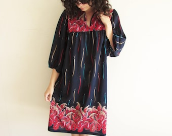 Vintage L XL 70s Blue and Red Paisley Abstract Muumuu Caftan Tent Dress