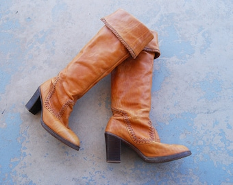 vintage 70s Campus Boots - 1970s Otk Boots - Boho Beige Leather High Heel Boots Pirate Cuff Boots Sz 10 41