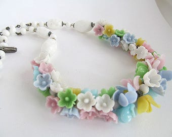Vintage Glass Flower Garland Necklace, Pastel Poured Flower Beads, Wired Flower Bead Necklace, Wedding Jewelry, Flower Bead Choker