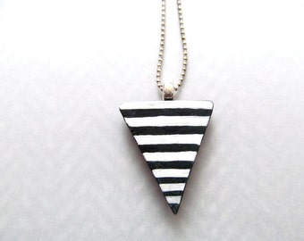 triangle pendant - black and white stripes