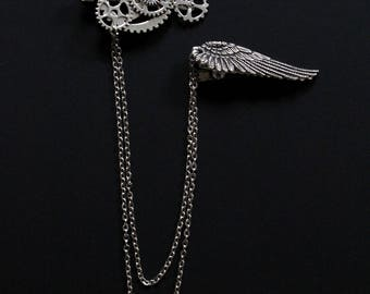 Set of two antique silver look steampunk hair clips handmade wih a combination of gears and wings
