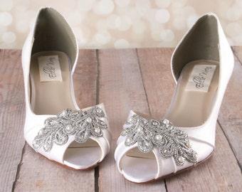 Vintage Wedding Shoes, Custom Wedding Shoes, Art Deco Wedding, Wedding Accessories, Ivory Bridal Shoes, Ivory Shoes, Lace Wedding Shoes