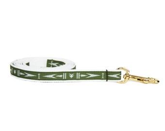 "Olive green arrowhead pattern dog lead, 1/2"" wide dog leash, brass snap"