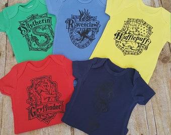 Set of 5 Harry Potter bodysuits * Gryffindor * Hufflepuff * Slytherin * The Dark Mark * Ravenclaw * Hogwarts * Fandom * House Crest