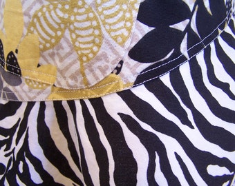 Zebra Apron, Womens Full Apron, Stylist Apron, Chefs Apron, Cook cover up