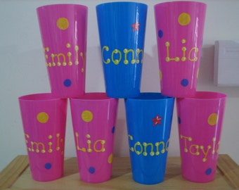 Personalized Kids Party Favors- Plastic tumblers- Ideal for Birthdays, Sweet 16s, Communions, Christenings, Christmas stocking stuffer