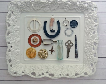 bITs KitS No041k - belt buckle,horseshoe, doll leg, chandelier crystal, square nail, key, plane, button, glass bottle, curtain clip, BINGO