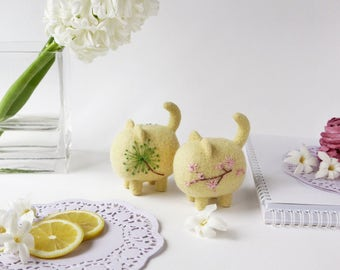 Cat lover gift, sunny cats miniature, cute easter decorations, needle felted animal sculptures, wool waldorf toy, felt figurines, cute decor