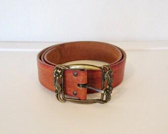 Tooled Leather Belt / Floral Metal Buckle / Vintage 70s Women's Boho Belt