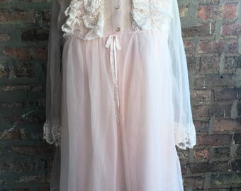 1960s Pale Pink Chiffon and Lace Peignoir Set Medium