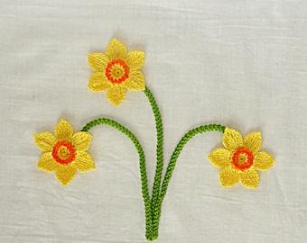 A set of 3 Crochet Daffodil Flower appliques,Handmade Daffodil flower with stem,art design,school supplies,embellishment,botanical wedding